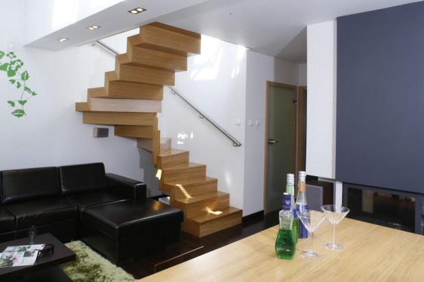 Tak może wyglądać salon ze schodami: ciekawe propozycje