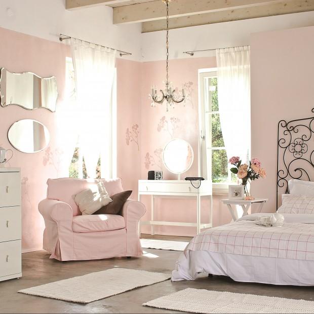Róż we wnętrzu. Zobacz inspirujące aranżacje sypialni!