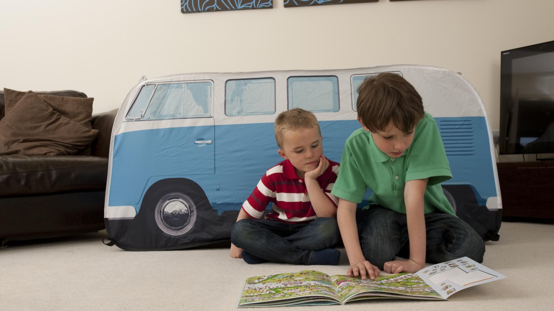 Namiot dostosowany jest do wzrostu przedszkolaków. Fot. The Monster Factory.