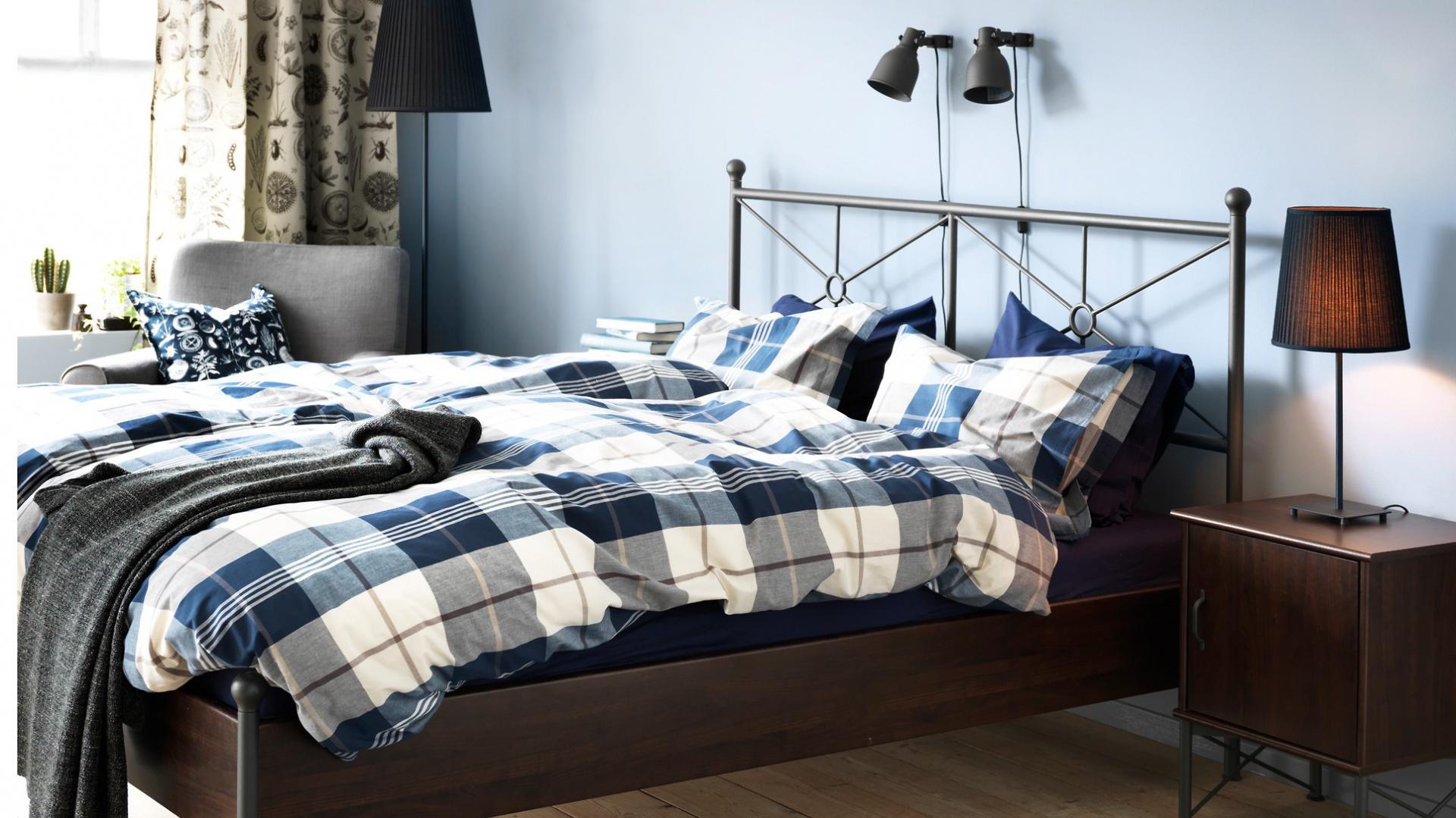 Komplet pościeli Kustruta tkanej z farbowanej przędzy bawełnianej zapewnia pościeli niezwykłą miękkość. Fot. Ikea.