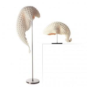 Nowoczesne Lampy Dragons (stołowa i podłogowa). Fot. Hive.