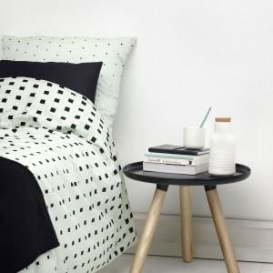 Minimalistyczny komplet bawełnianej pościeli Cube. Fot. Normann Copenhagen.