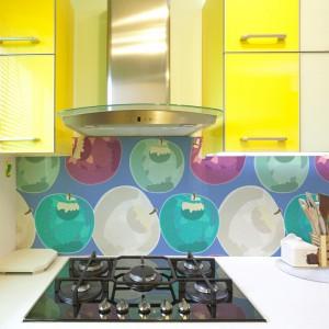 Fototapeta winylowa Apples. Będzie stanowiła ładny, dekoracyjny akcent w kuchni – kolorowy, a jednak subtelnie przygaszony. 139 zł/m², Big Trix.pl.