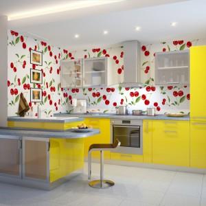 Dojrzałe wisienki zdobią ścianę nadając kuchni nietypowy, oryginalny charakter. Na zdjęciu: tapeta ekologiczna, papierowa. Pokryta przyjaznym dla człowieka i środowiska drukiem lateksowym (oddychająca, odporna na pleśń i grzyby), nie zawiera PCV. Od 123 zł/m², Minka.pl.
