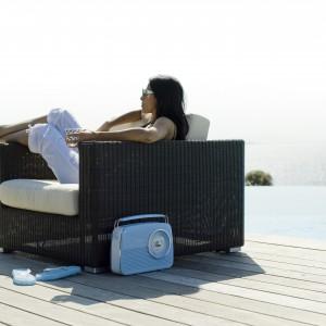 Komfortowy fotel Chester marki Cane Line wykonany został z polyrattanu. Dostępny w trzech pięknych kolorach. Fot. Cane Line.