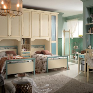 Zielono-kremowe meble do pokoju sióstr z kolekcji Magnolia marki Spar. Fot. Spar.