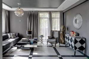 """Hotel Solei to jeden z pierwszych w Poznaniu hoteli butikowych. Mieści się w historycznej dzielnicy miasta - Chwaliszewo. Wnętrze hotelu jest ściśle związane z jego charakterem - indywidualnym i wyjątkowym. jest ono zaprzeczeniem anonimowości hoteli sieciowych.   Niedawno hotel zdobył nagrodę za """"najlepszy design"""" oraz nagroda użytkowników portalu Tripadvisor Travelers' Choice® 2014 Winner. Komfortowe pokoje dwuosobowe zaprojektowane są w stylu wielkich znanych miast, takich jak: Honolulu, Lima, Oslo, Nowy Jork czy Havana. Natomiast pokoje jednoosobowe typu superior stylizowane są na miasta: Mediolan, Cambridge, Lancaster."""