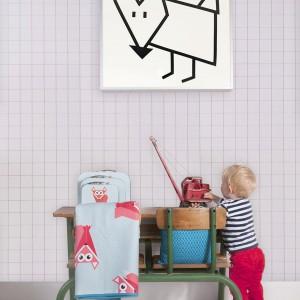 Ścianę można tez urozmaicić wieszając na niej obrazek. Dekoracja marki JIP. Fot. Presenttime.
