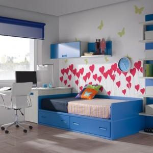 Pomysł na dekorację ściany w pokoju dziewczynki. Fot. Muebles Lara.