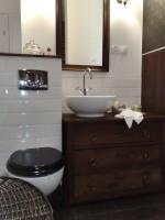 Mieszkanie w starej kamienicy - łazienka.