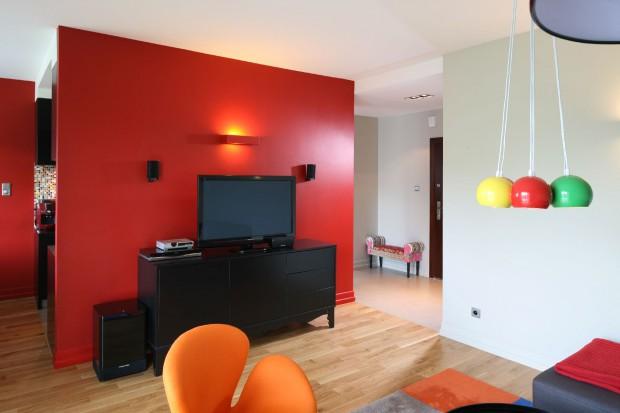 Ściana w kolorze: propozycje z polskich domów