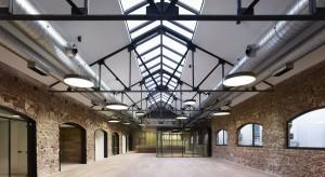 W 2012 roku prestiżowy portal Archidaily przyznał nowemu biuru FundacjiBotín w Madrycie zaszczytny tytuł najlepiej zaprojektowanego wnętrza na świecie. Dzieło projektantów z MVN Arquitectos zachwyciło umiejętnym wykorzystaniem struktury stareg
