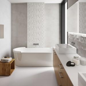 Białe płytki ceramiczne z kolekcji Zenith marki Aparici doskonale imitują naturalny kamień. Fot. Aparici.