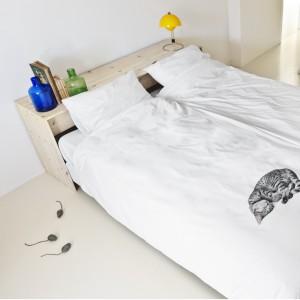Pościel Ollie z nadrukiem smacznie śpiącego kota. Fot. Snurk.
