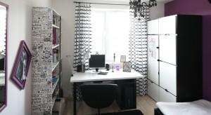 Nowoczesne wnętrze w modnych kolorach z nutką glamouru – taki jest pokój nastolatki zaprojektowany przez arch. Martę Kruk. Może w nim znajdziecie inspirację…?
