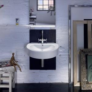 Seria ceramiki sanitarnej Happening marki Roca jest dopracowana do najdrobniejszego detalu. Zachowując klasyczną formę wprowadza świeżość nowoczesnego spojrzenia. Prostota kształtów tworzy przejrzystą przestrzeń z indywidualnym charakterem, nie tracąc na funkcjonalności. Fot. Roca.
