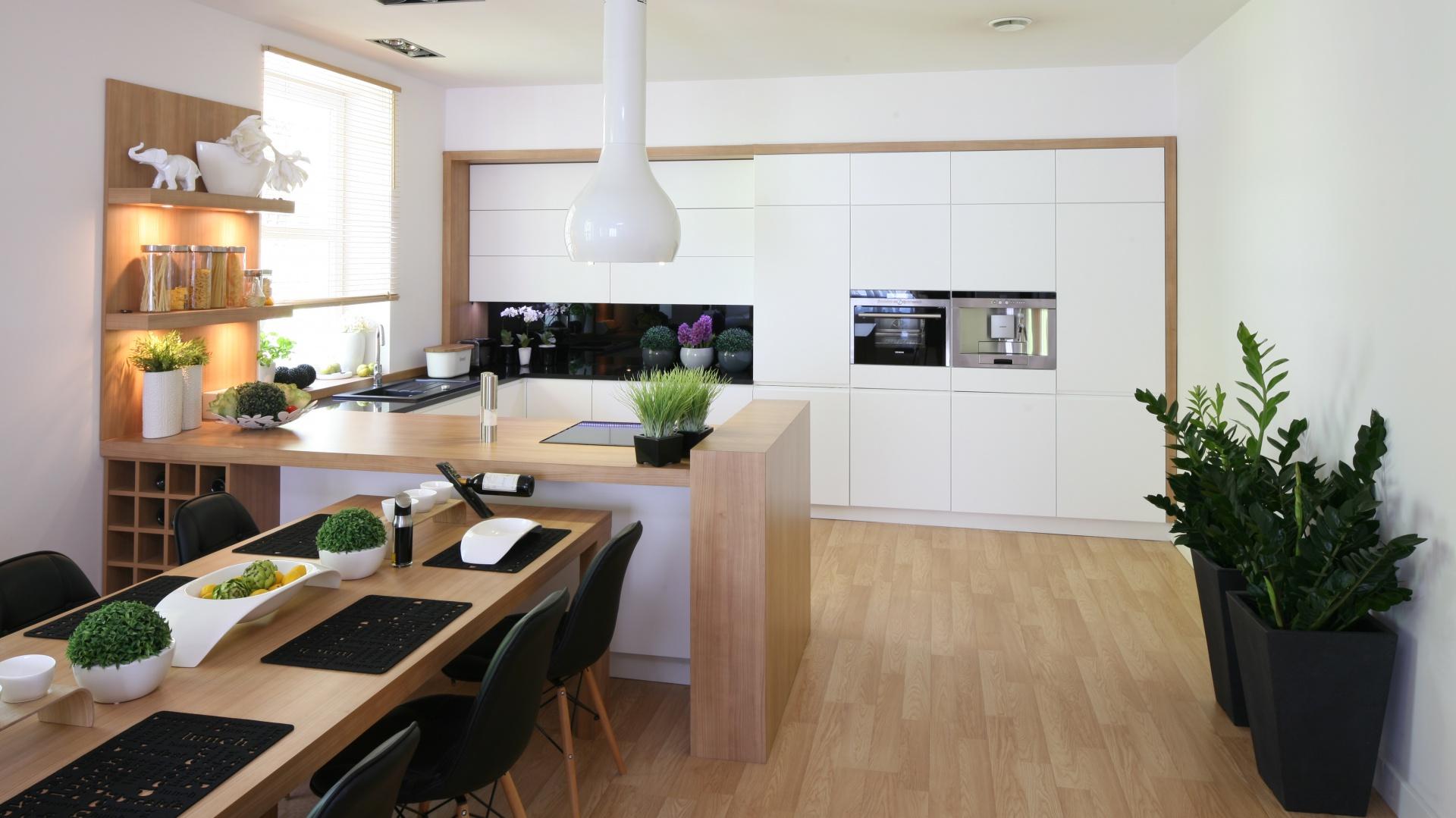 Biała Kuchnia Ocieplona Drewnem Zobaczcie Projekty Z