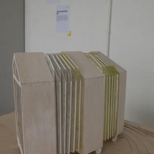 Autor: Kamila Iżykowicz, II rok domestic design / fashion design School of Form Projekt: Nomadyzm Opis: poszukiwanie odpowiedzi na pytanie, czym jest współczesny nomadyzm