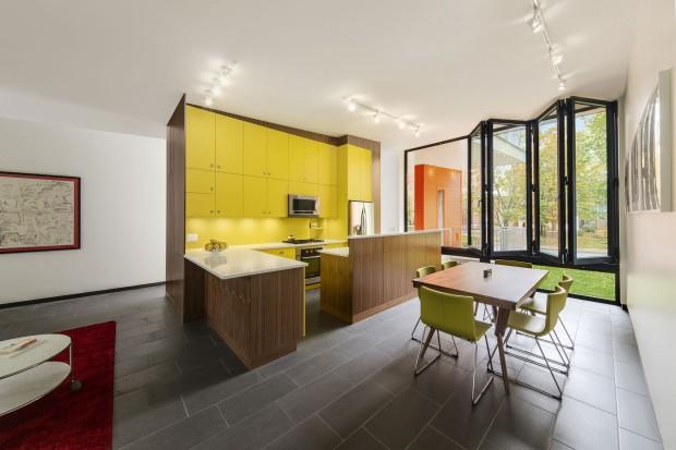Szary i żółty. Zobacz modne wnętrze