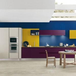 Trójkolorowe meble kuchenne o nazwie Primavera Colors marki Febal Casa. Fot. Febal Casa.