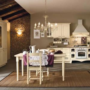 Ciepła i przytulna kuchnia Ducale marki Arrital przywodzi na myśl dziecięce wakacje spędzane u babci. Fot. Arrital.