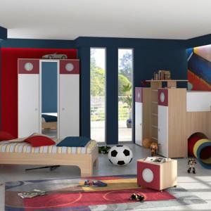 W tym pokoju jeden z braci śpi w tradycyjnym łóżku, natomiast drugi - w łóżku na antresoli. Fot. Franco Geraci.