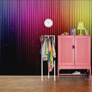 Różnobarwna tapeta z kolekcji Nostalgic marki Mr Perswall. Fot. Mr Perswall.