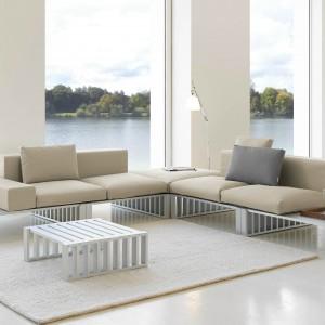 Ultranowoczesna sofa Docks zaprojektowana przez Romero Vallejo dla marki Gandia Blasco. Fot. Gandia Blasco.