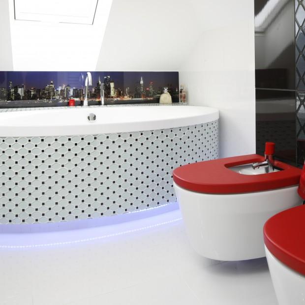Łazienka na poddaszu: piękne wnętrze dla dwojga