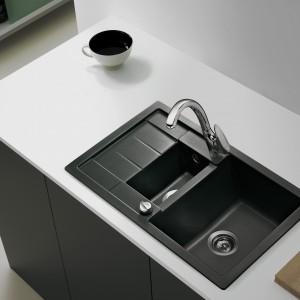 Zlewozmywak Aura 60 B-TG firmy Teka. Wykonany z Teragranitu Plus, materiału wytrzymałego i odpornego na zarysowania, promienie ultrafioletowe, wysoką temperaturę oraz używane powszechnie w domach kwasy i ługi. Dostępny w kolorach: antracyt, biały, beż, topaz i onyks. Fot. Teka.