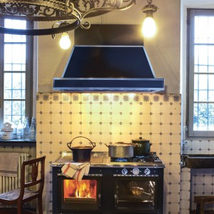 Rustica, jak sama nazwa wskazuje, została stworzona do ciepłych, rustykalnych kuchni. Fot. J.Corradi.