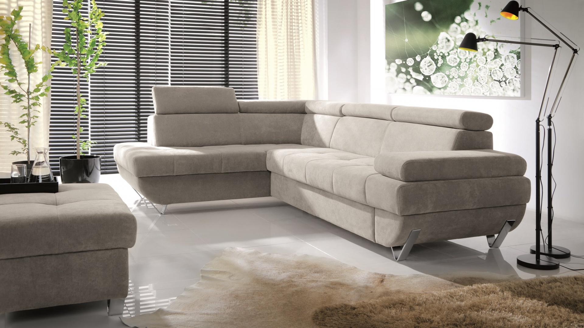 """Funkcjonalność komfort i elegancja to synonimy narożnika MOORE. Proste bryły z efektownymi, pikowanymi siedziskami tworzą wyrafinowaną całość. Funkcja spania typu """"delfin"""". Powierzchnia spania: 125x205 cm. Fot. Wajnert Meble."""