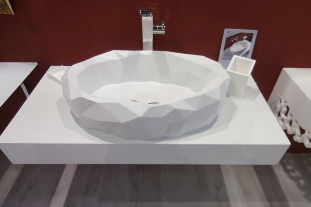 Byliśmy na targach bolońskich targach Cersaie 2014. Zobaczcie najnowsze i najbardziej trendowe łazienkowe nowości z wyposażenia łazienkowego, które tam zaprezentowano.