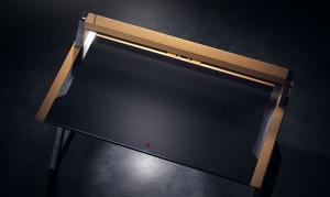 Można również regulować wysokość stołu, dostępne są 3 pozycje.