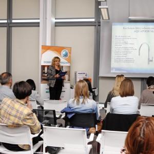 Filtry działające na zasadzie odwróconej osmozy to nowoczesne rozwiązanie do każdej kuchni – o ich zaletach i działaniu opowiada Marzena Lewandowska, marketing manager firmy Aquaphor Poland.