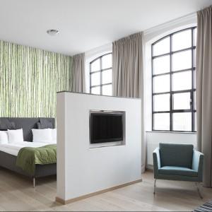 Tapeta z kolekcji Daily Details stanowi delikatną ozdobę sypialni. Mr Perswall.