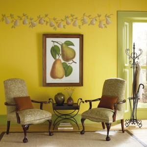 Ciepły, przytulny i w stu procentach jesienny motyw gruszki doskonale prezentuje się na ścianach w apetycznym kolorze tych właśnie owoców. Fot. Benjamin Moore.