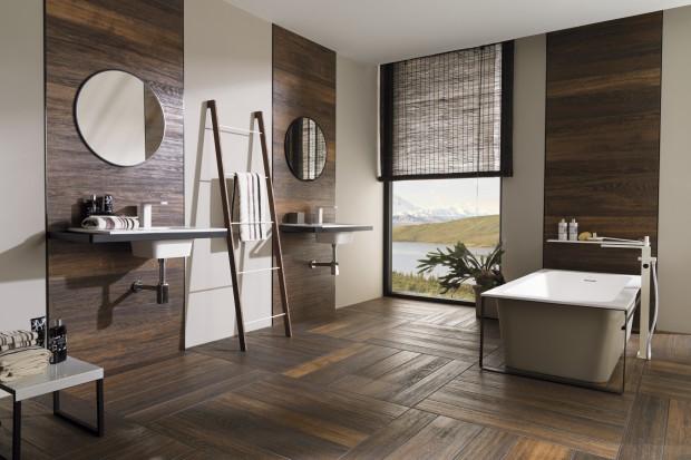 Płytki ceramiczne jak drewno – 15 kolekcji do łazienki