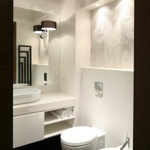 Łazienka jest funkcjonalna i wygodna. Fot. Bartosz Jarosz.