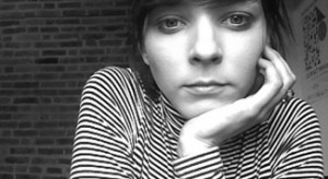 Absolwent Wyższej Szkoły Design-u w Troyes we Francji, Olivia Zuk jest francusko/polską projektantką mebli i wnętrz.