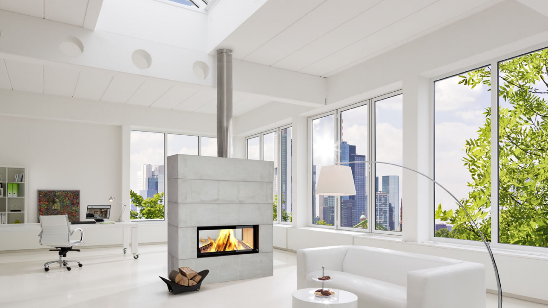 Kominek Skyloft marki Brunner z dwustronnym wkładem. W obudowie imitującej beton doskonale podkreśli nowoczesny charakter wnętrza. Fot. Brunner.