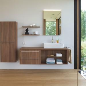 Kolekcja X-Large firmy Duravit. Rozbudowany program meblowy oferuje rozwiązania do dużej i małej łazienki. Meble zaprojektowane są tak, że oferują dużo miejsca do przechowywania. Fot. Duravit.