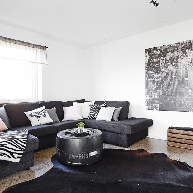 Czarno-białe wnętrze: nowoczesne i przytulne