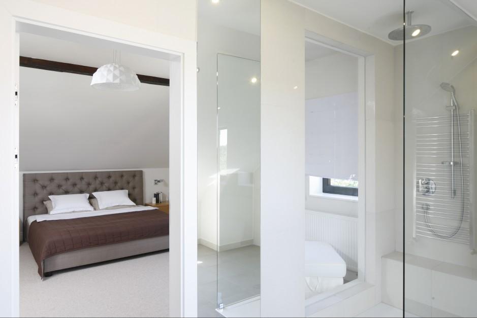 Sypialnia została połączona...  Jasna, przestronna sypialnia na poddaszu  Strona: 2