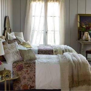 Tkaniny w odcieniach brązu i delikatnych, beżowych barwach dodadzą przytulności każdej sypialni. Fot. Zara Home.