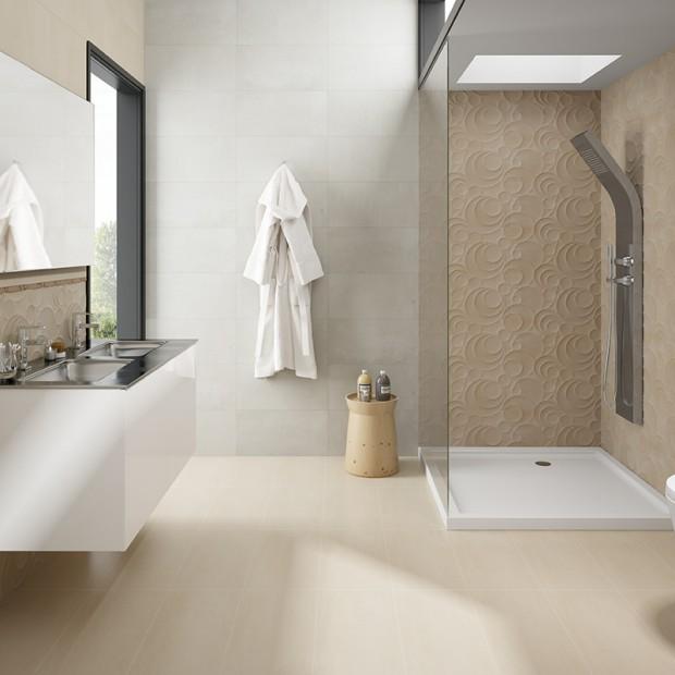 Beżowa łazienka: 15 kolekcji płytek ceramicznych