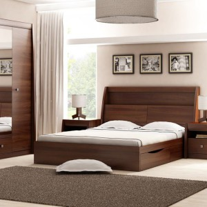 Sypialnia Sewilla z bokami mebli wykończonymi delikatnym łukiem, który dodaje klasycznej formie łagodności. Fot. Agata Meble.