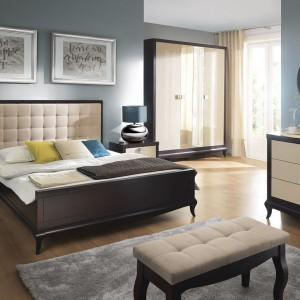 Kolekcja mebli Laviano to klasyczny, elegancki zestaw. Łóżko z wysokim, tapicerowanym zagłówkiem. Fot, Bydgoskie Meble.