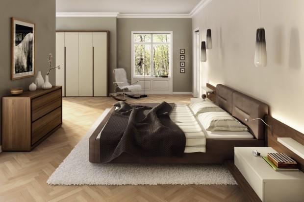 Meble do sypialni: ciemne łóżko