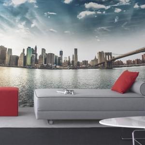 Fototapeta optycznie powiększające przestrzeń z motywem panoramy Nowego Jorku. Fot. Pixers.